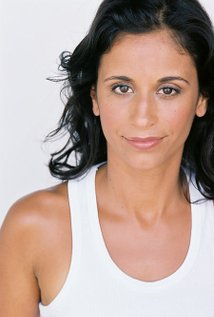 Claudine Barros