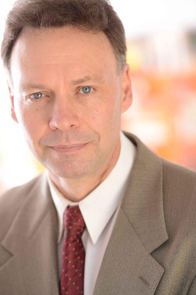 Roger Hewlett
