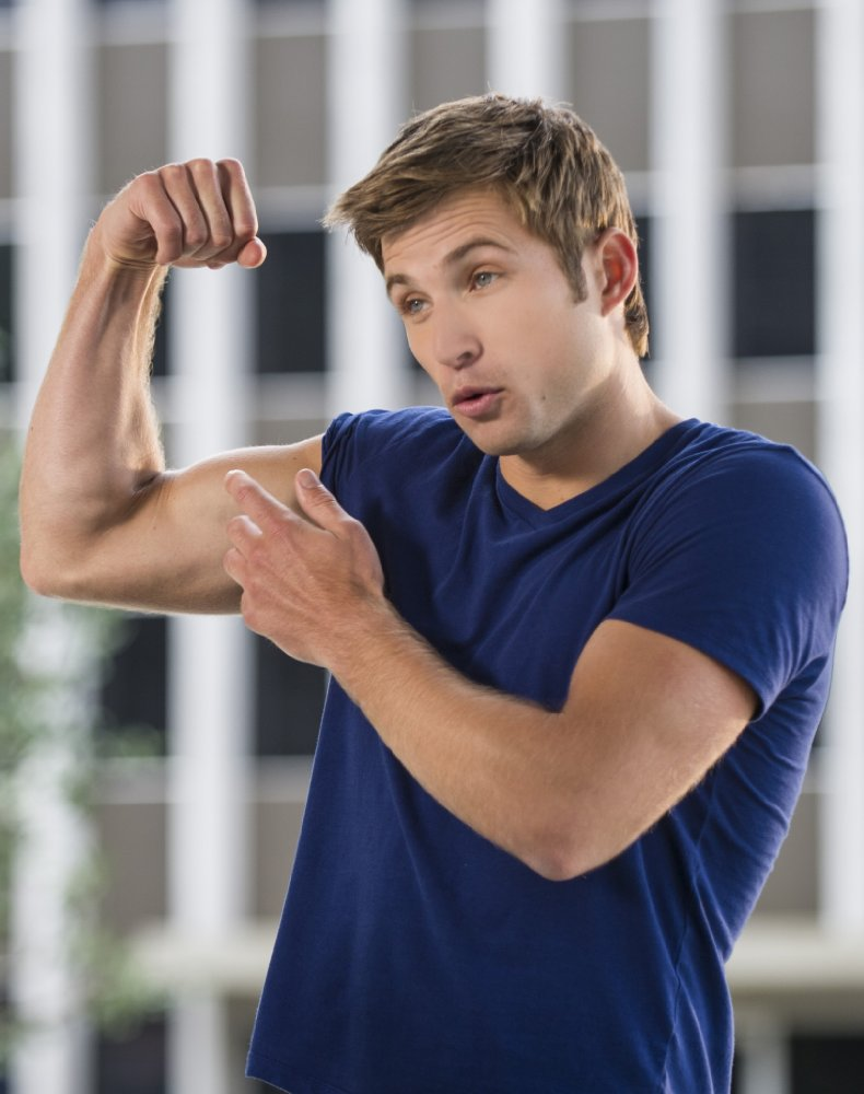 All About Celebrity Justin Deeley Birthday 1 February 1986