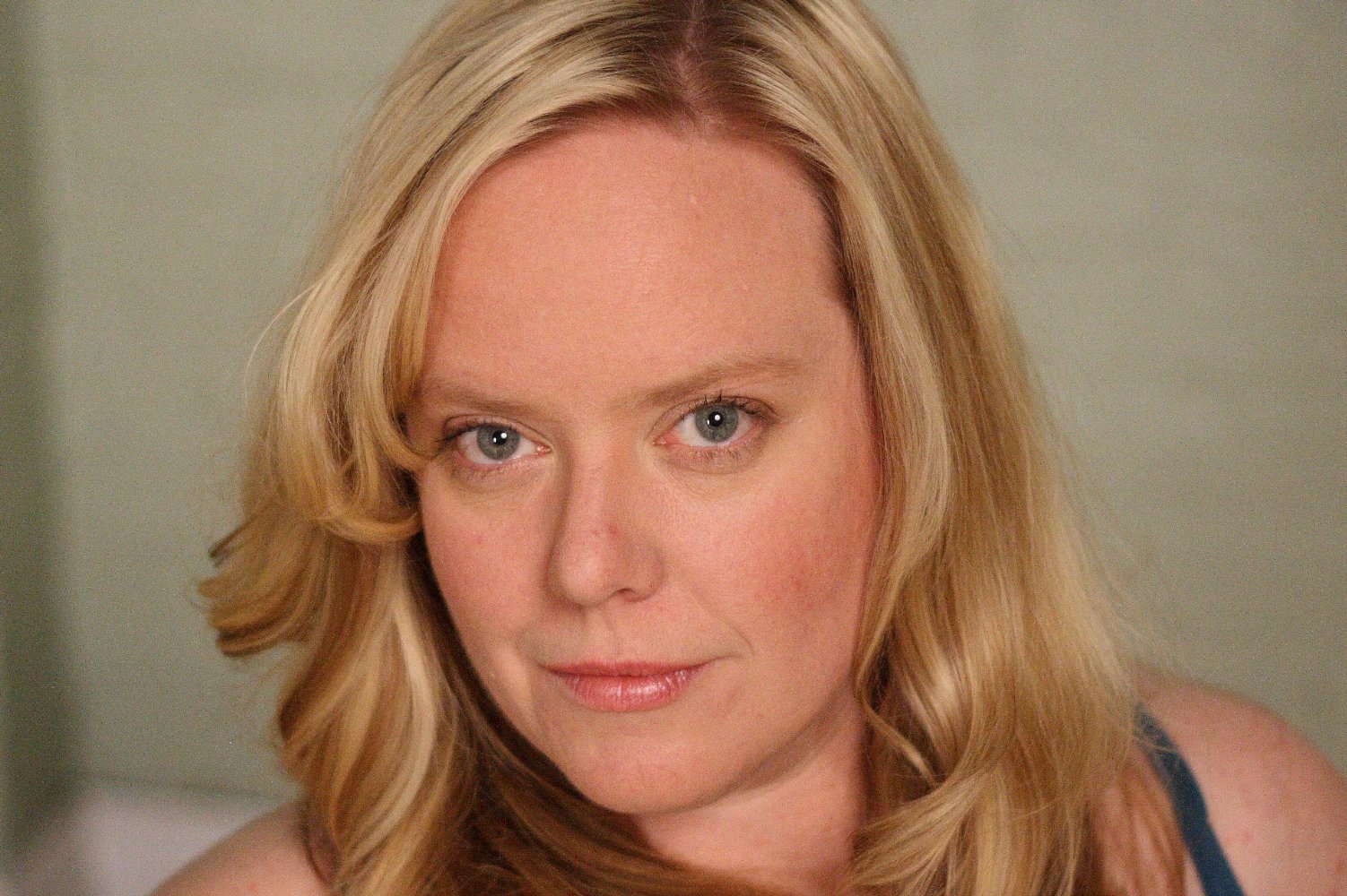 All about celebrity Tracy Rowland! Watch list of Movies