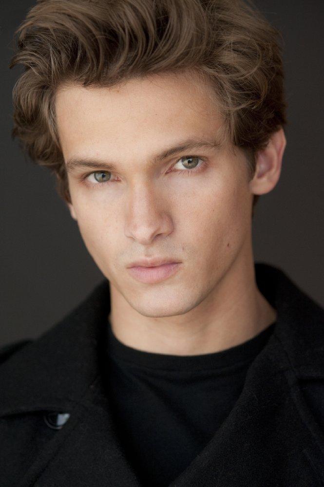 Hunter Gomez