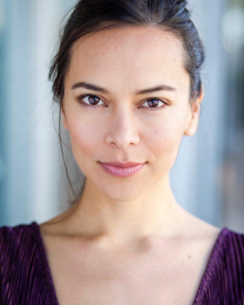 Sonya Balmores
