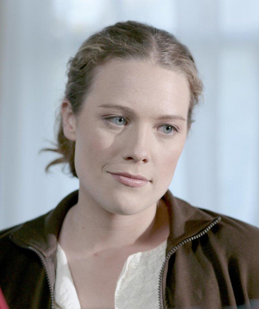 Kate Hewlett