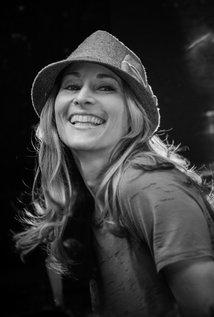 Sara Holden