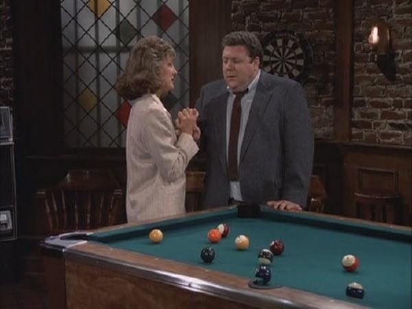 Cheers - Season 4 Episode 08: Love Thy Neighbor