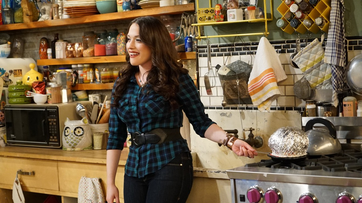 2 Broke Girls - Season 5 Episode 07: And the Coming Out Party