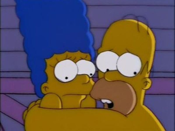 The Simpsons - Season 9 Episode 25: Natural Born Kissers