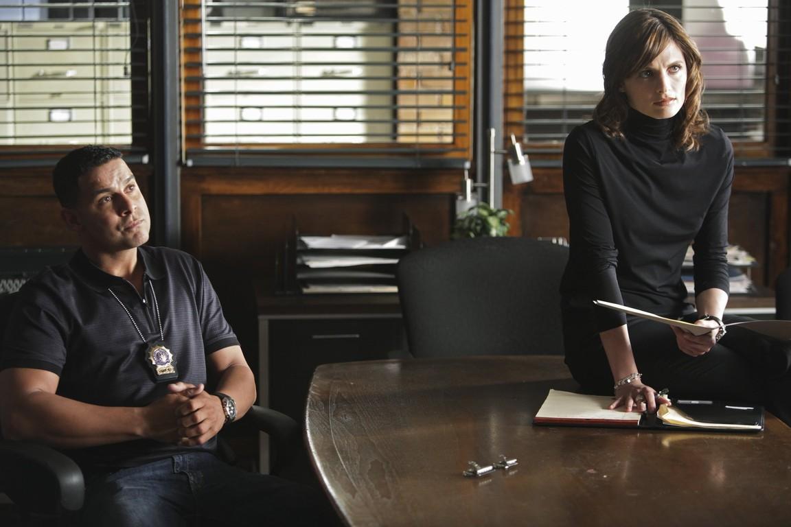 Castle - Season 2 Episode 23: Overkill