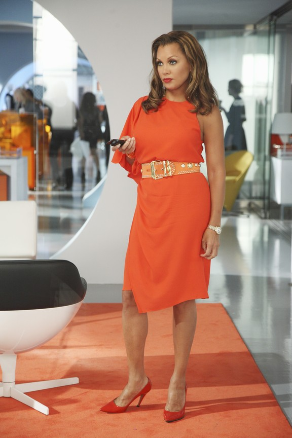 Ugly Betty - Season 4 Episode 04: The Wiener, The Bun and The Boob