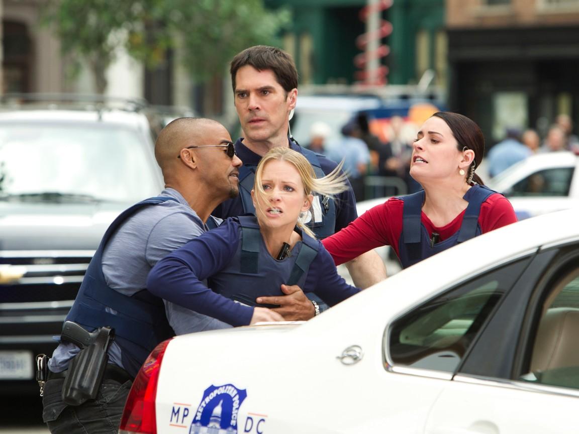 Criminal Minds - Season 7 Episode 23&24: Hit & Run