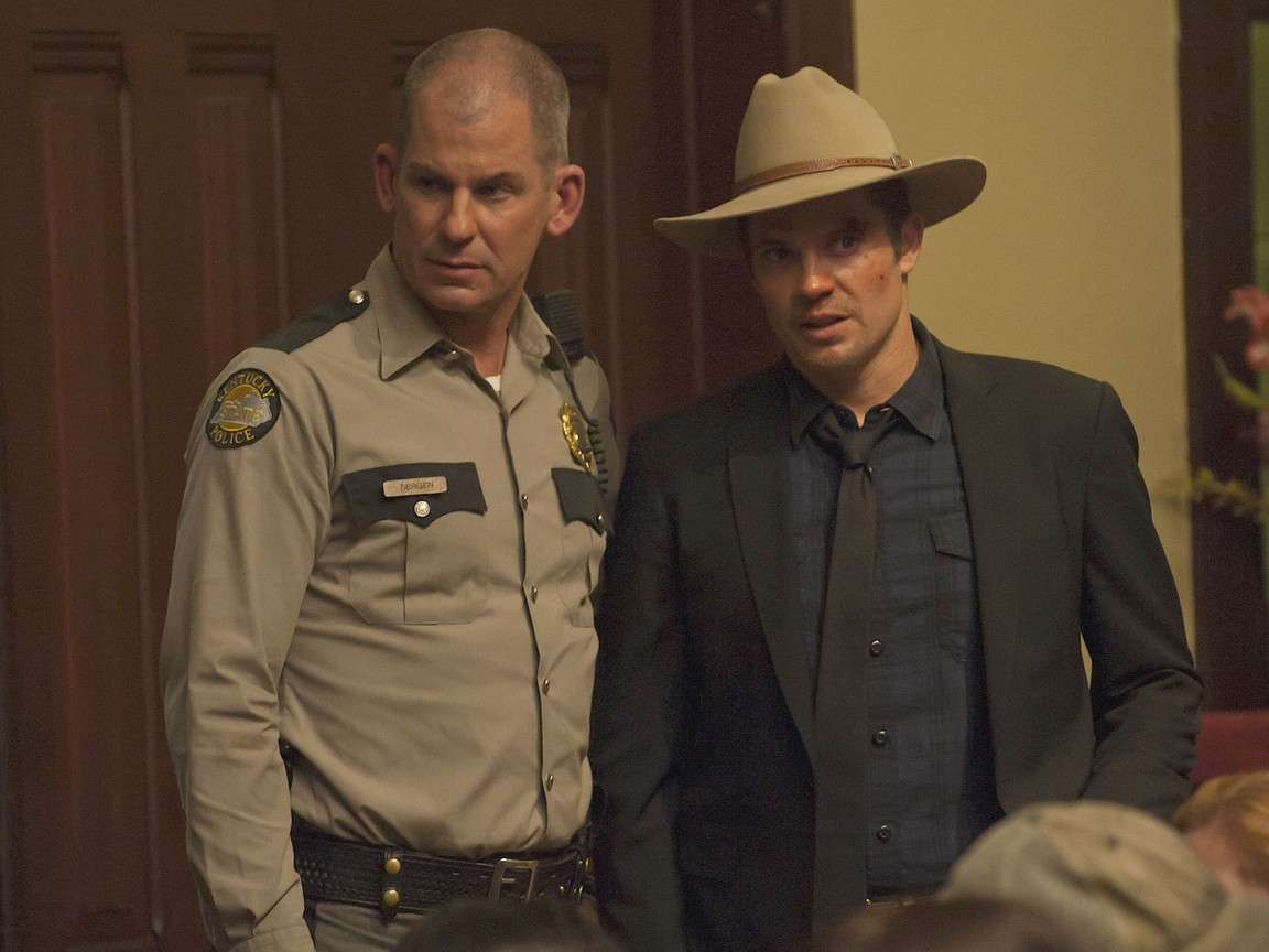 Justified - Season 2 Episode 8: The Spoil