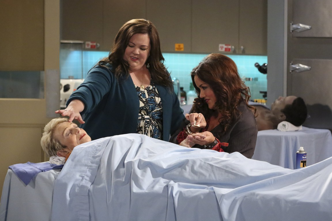Mike & Molly - Season 4 Episode 3: Sex and Death