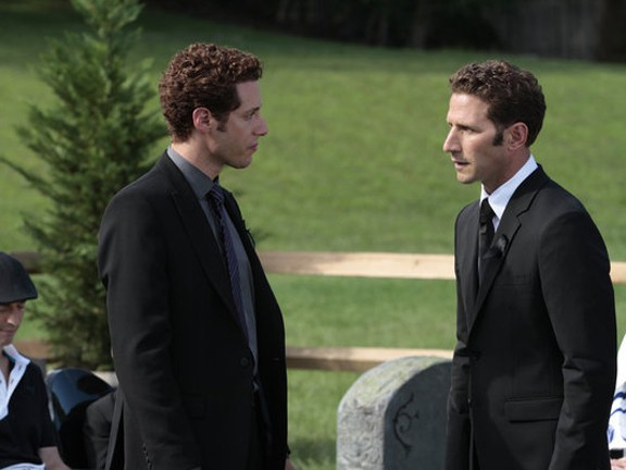Royal Pains - Season 3 Episode 13: My Back To The Future