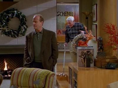 Frasier - Season 6 Episode 10: Merry Christmas, Mrs. Moskowitz