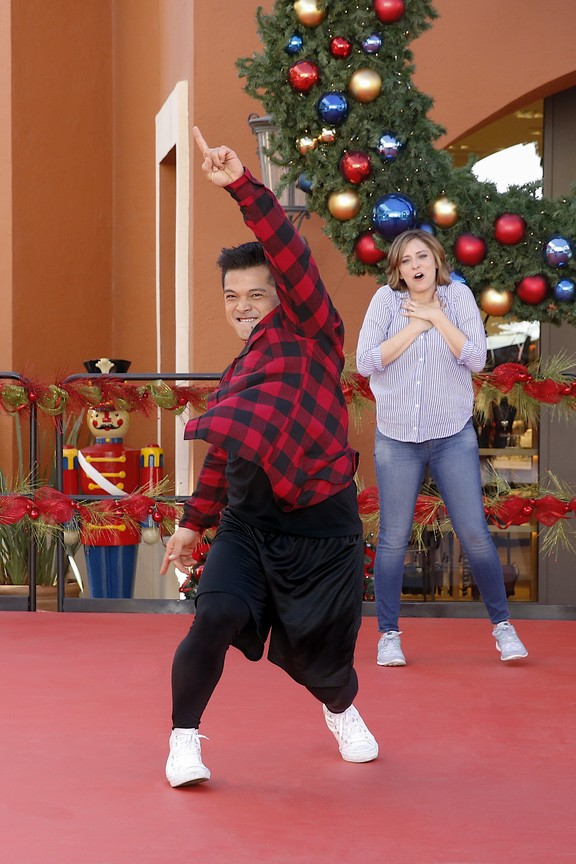 Crazy Ex-Girlfriend - Season 1 Episode 8: My Mom, Greg's Mom and Josh's Sweet Dance Moves!
