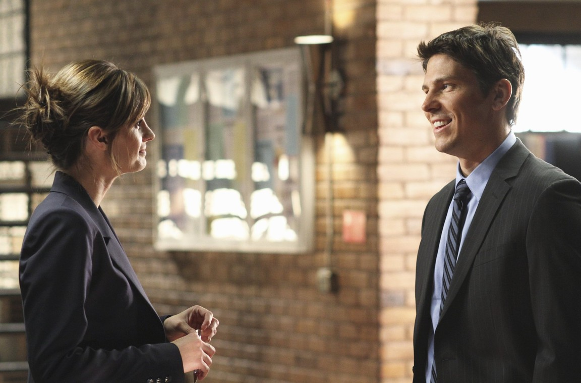 Castle - Season 2 Episode 22: Food to Die For