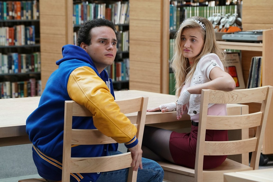 The Goldbergs - Season 4 Episode 01: Breakfast Club