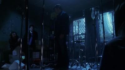Smallville - Season 6 Episode 14: Trespass