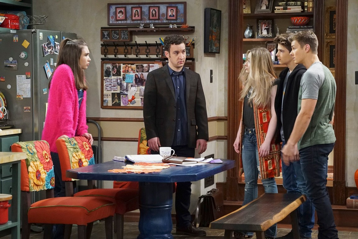 Girl Meets World - Season 3 Episode 11: Girl Meets the Real World