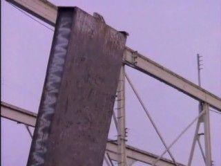 MacGyver - Season 1 Episode 02: The Golden Triangle
