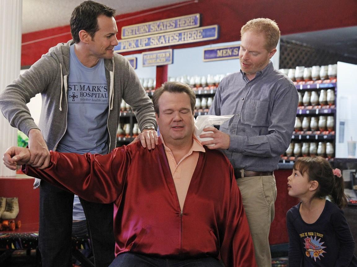 Modern Family - Season 4 Episode 22: My Hero