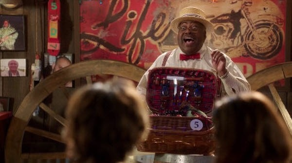 Hart of Dixie - Season 2 Episode 9: Sparks Fly