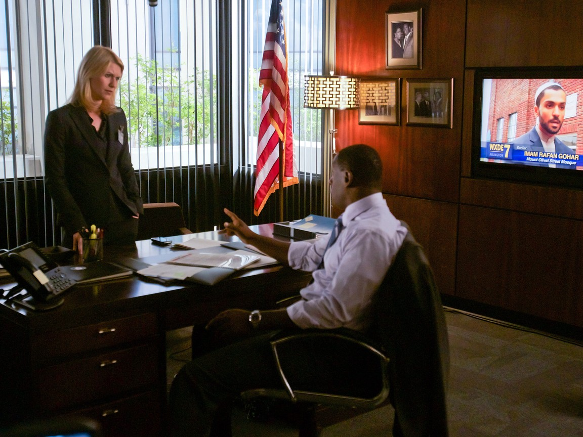 Homeland - Season 1 Episode 09: Crossfire
