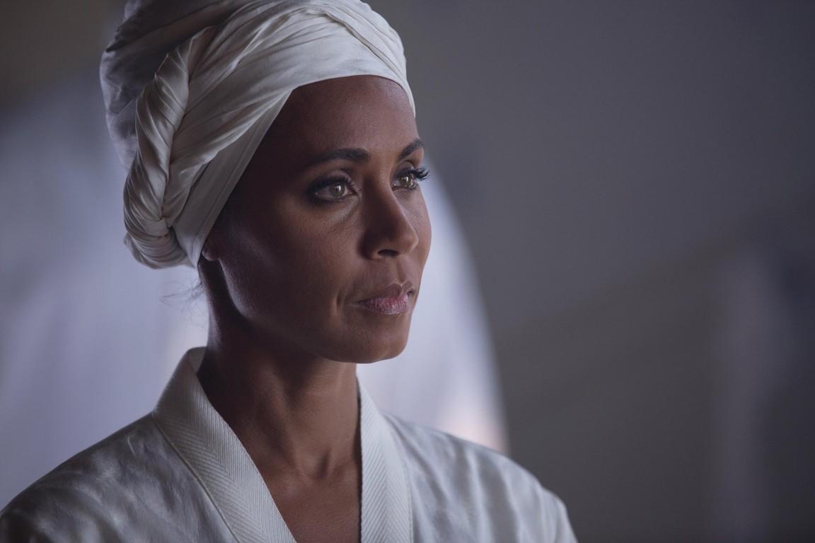 Gotham - Season 1 Episode 17: Red Hood