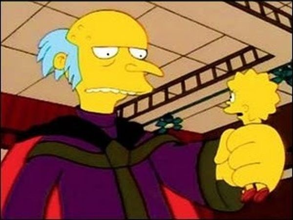 The Simpsons - Season 13 Episode 01: Treehouse of Horror XII