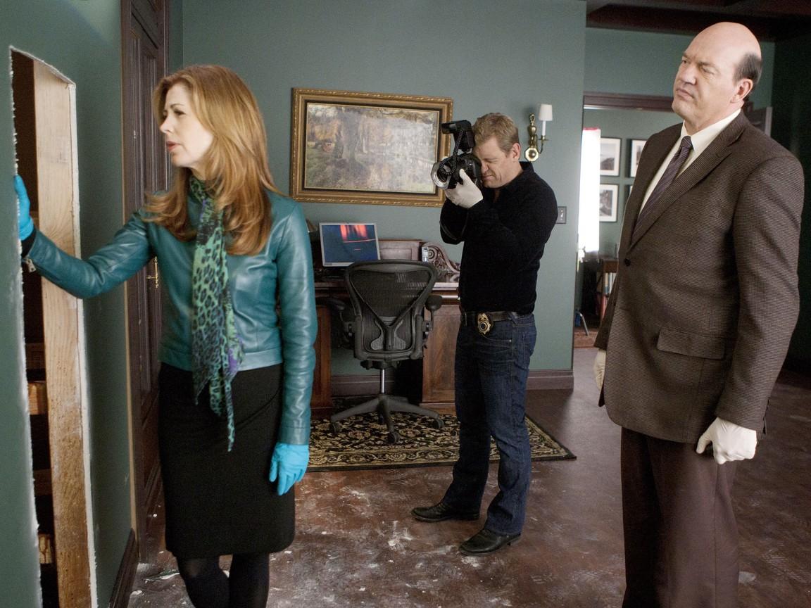 Body of Proof - Season 2 Episode 15: Occupational Hazards