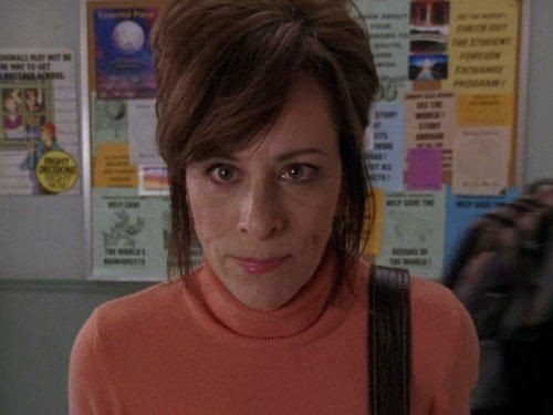 Malcolm in The Middle - Season 7 Episode 16: Lois Strikes Back