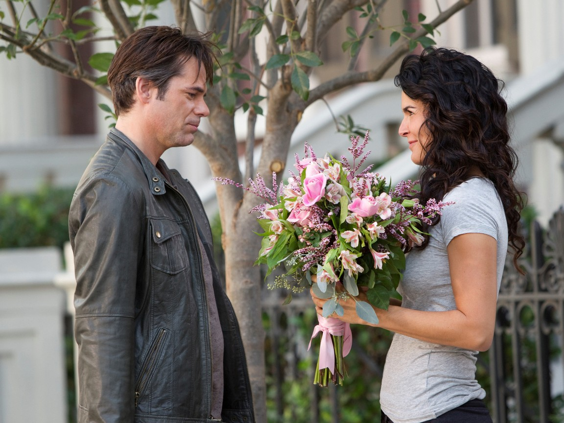 Rizzoli and Isles - Season 2 Episode 15 : Burning Down the House