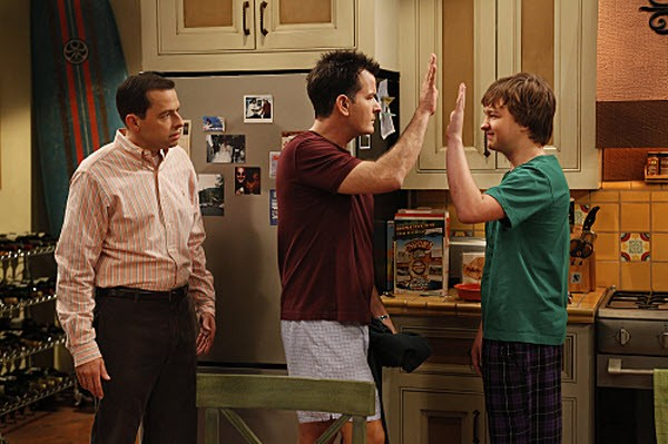 Two and a Half Men - Season 8 Episode 01: Three Girls and a Guy Named Bud