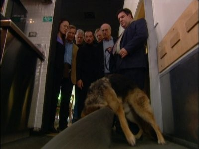 Curb Your Enthusiasm - Season 3 Episode 07: The Corpse Sniffing Dog