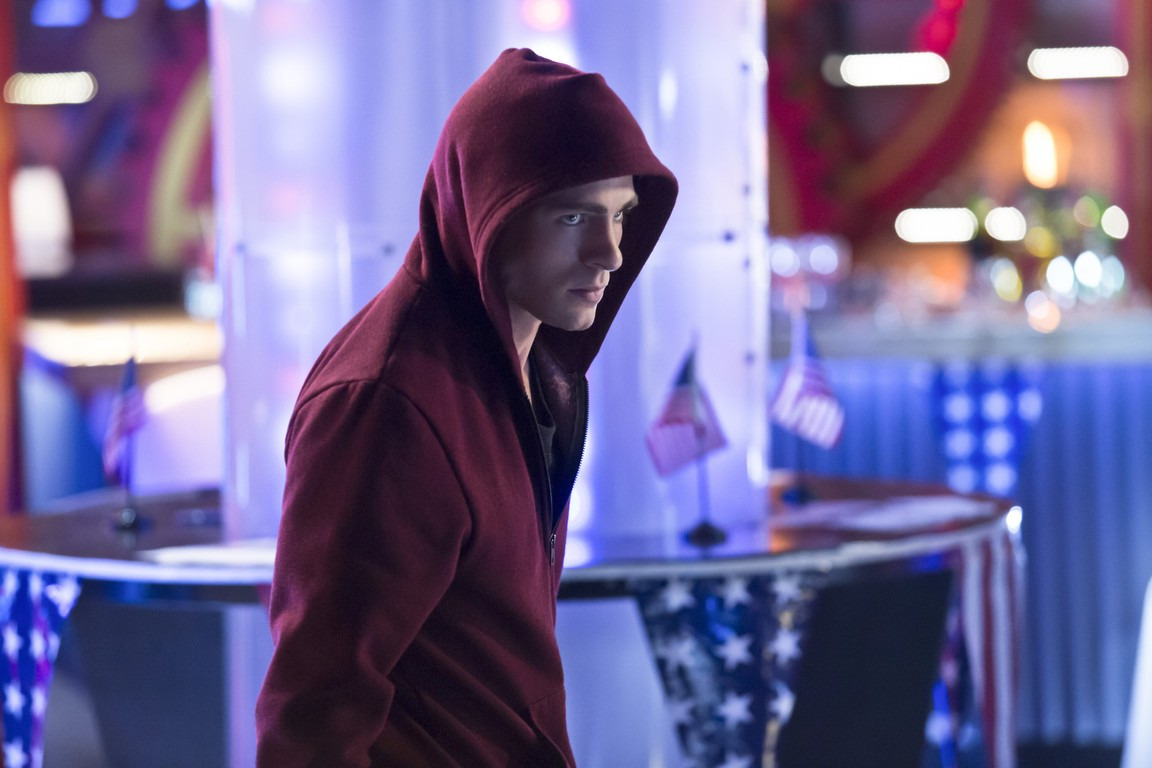 The Flash - Season 5 Episode 11: Seeing Red