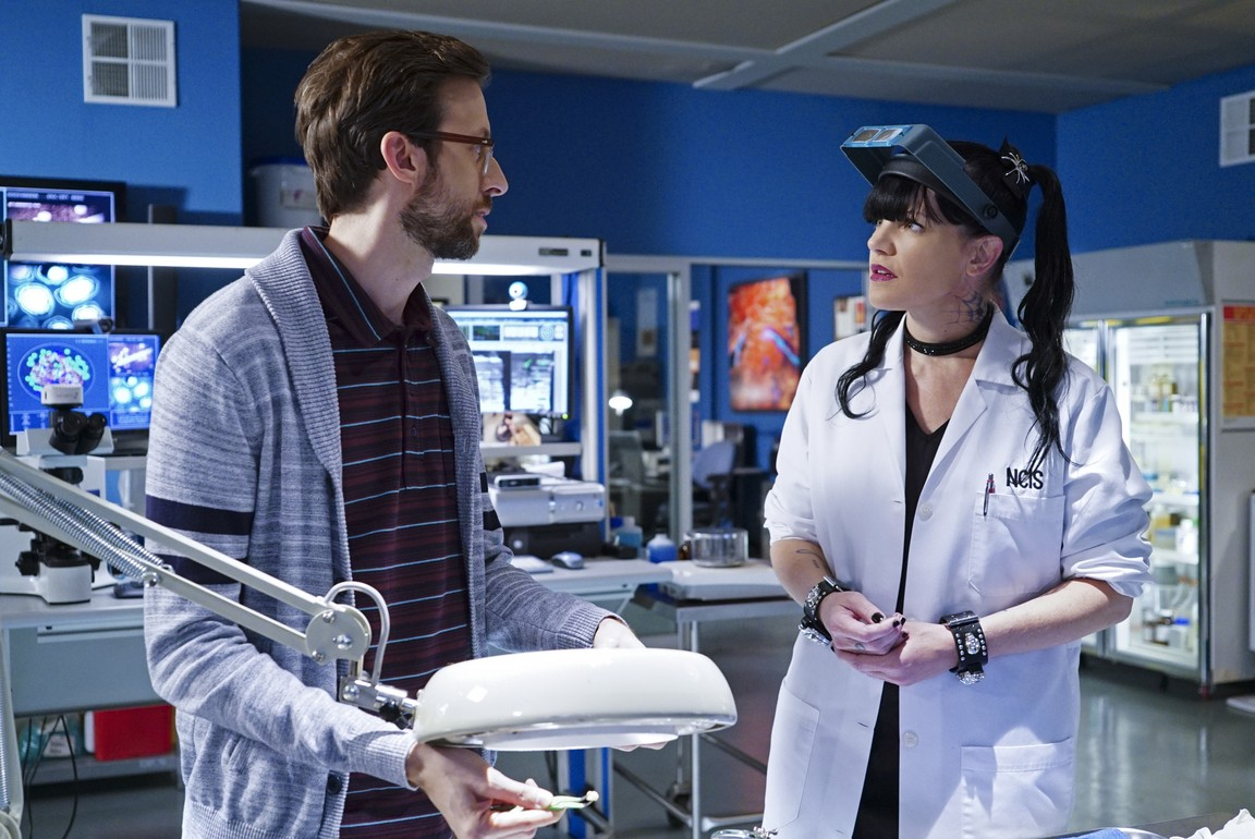 NCIS: New Orleans- Season 2 Episode 12: Sister City (2)