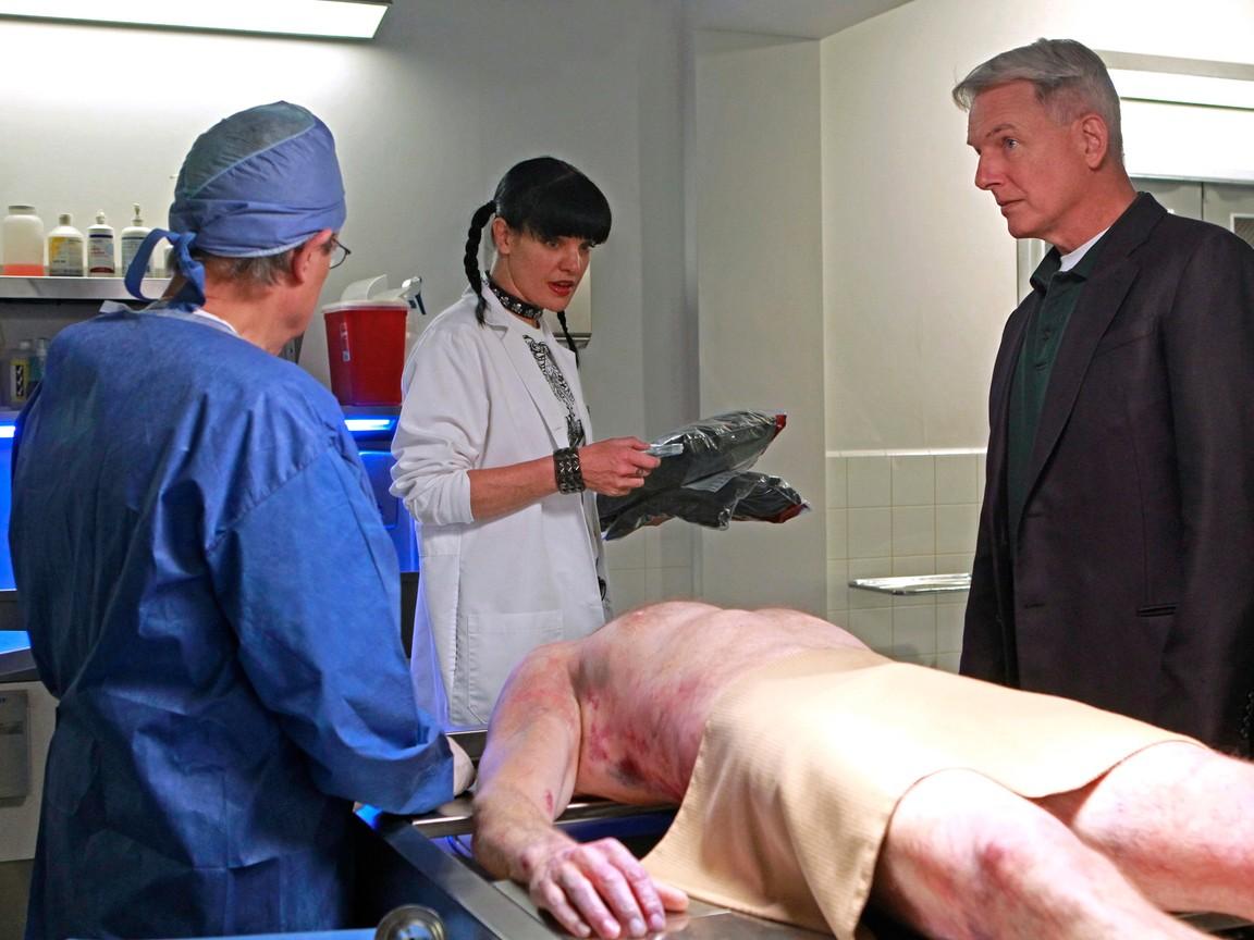 NCIS - Season 9 Episode 10: Sins of The Father
