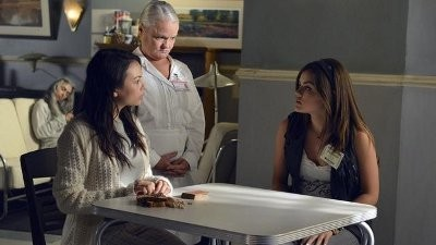 Pretty Little Liars - Season 3 Episode 7: Crazy