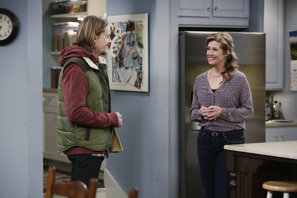 Last Man Standing - Season 4 Episode 19: Summer Internship