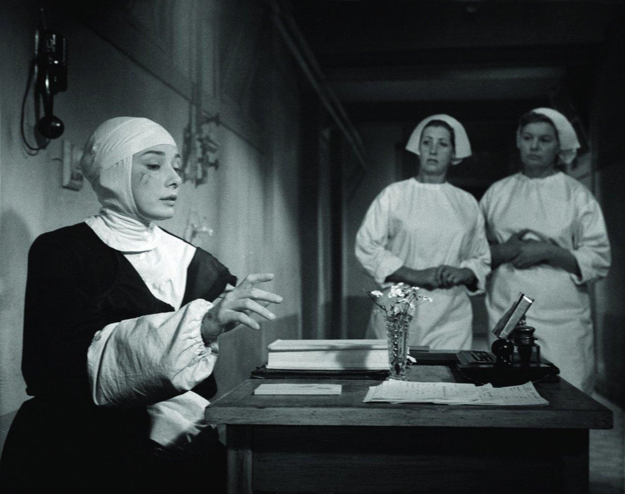 Muriel Pavlow,Rachel Veltri Porno pic Toni Barry,Jessica Raine