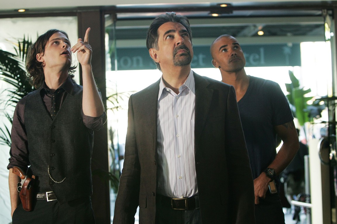 Criminal Minds - Season 4 Episode 20: Conflicted