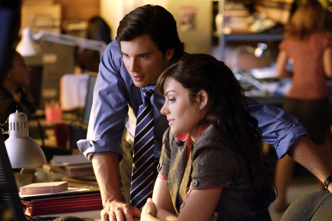 Smallville - Season 9 Episode 06: Crossfire