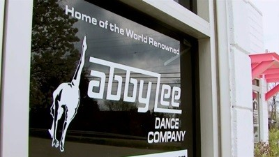Dance Moms - Season 1 Episode 01: The Competition Begins