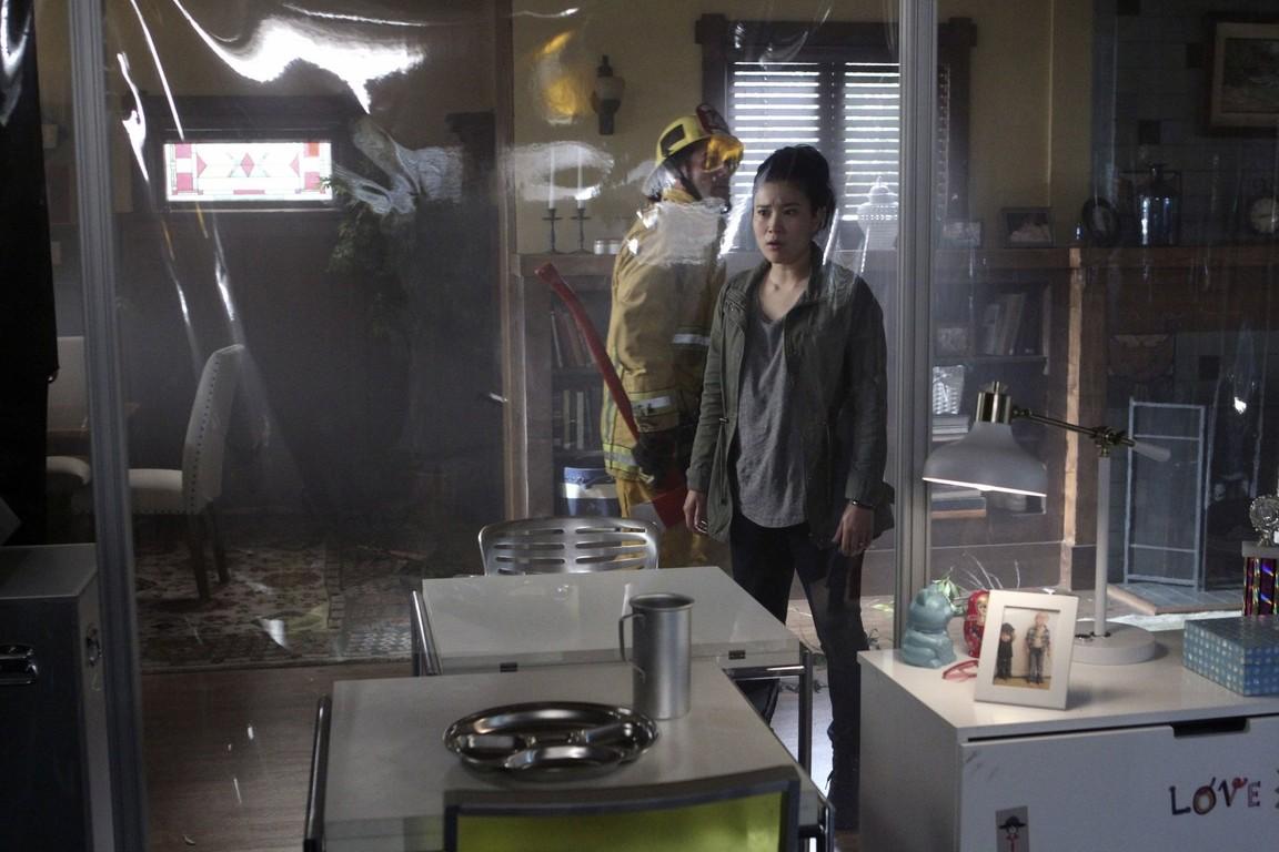 Scorpion - Season 3 Episode 18: Don't Burst My Bubble