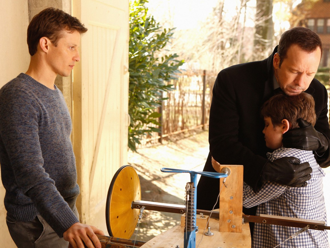 Blue Bloods - Season 3 Episode 20: Ends and Means