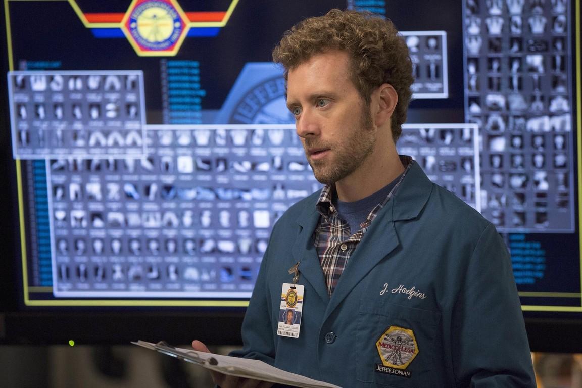 Bones - Season 9 Episode 09: The Fury In The Jury
