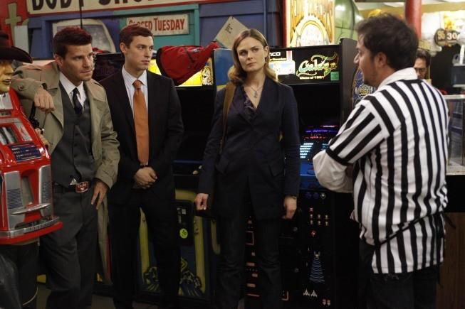 Bones - Season 5 Episode 09: The Gamer in the Grease