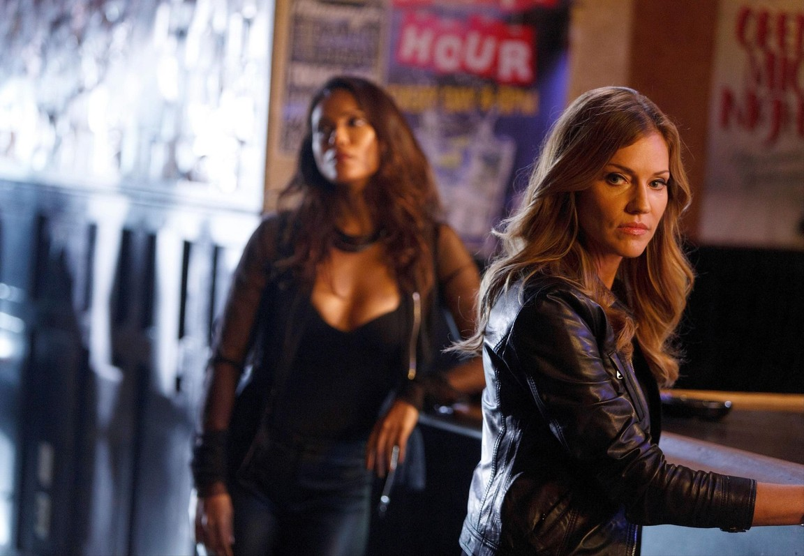 Lucifer - Season 2 Episode 12: Love Handles