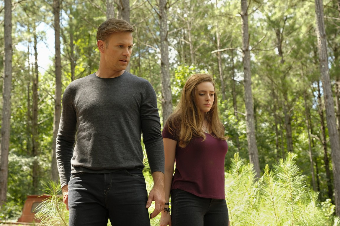 Legacies - Season 1 Episode 02: Some People Just Want to Watch the World Burn