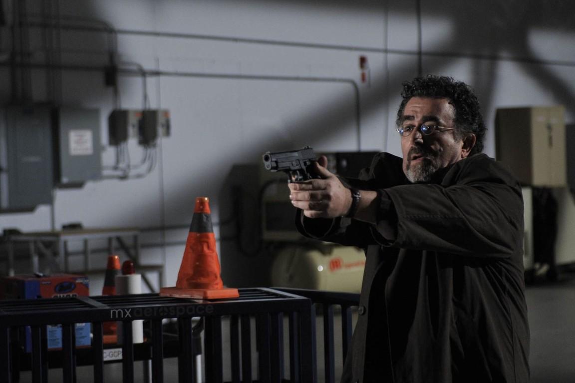 Warehouse 13 - Season 1 Episode 9: Duped
